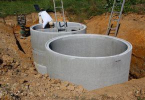 betonrohre fr abwasser werden gesetzt
